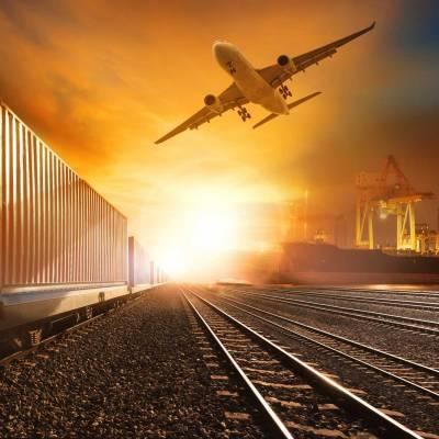 Import & Export: Schiff, Flugzeug und Container