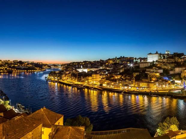 Porto in Portugal bei Nacht